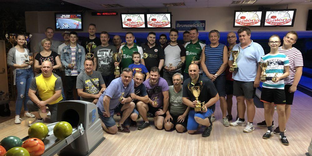 Užili sme si 12 hodinový bowlingový maratón v Galériabowling Košice!!